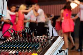 Looking For A Wedding DJ Perth?